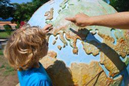 Pentru copii, problema bilingvismului nu este o problemă!